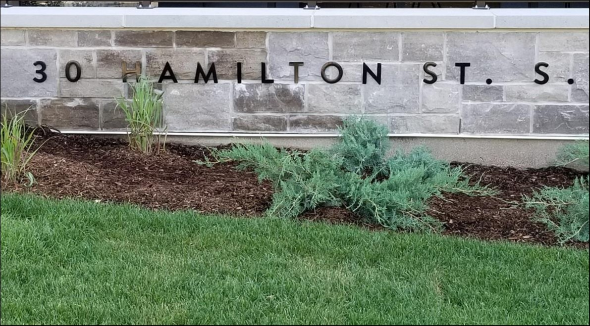 212-30 Hamilton Street South, Waterdown, Ontario (ID SOLD)