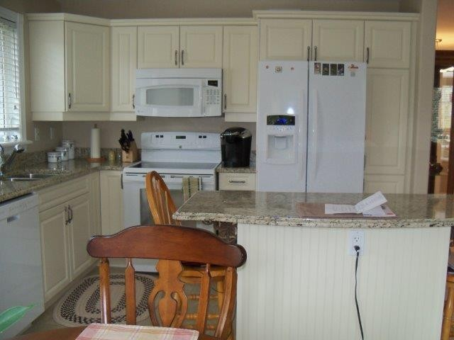 1742 RAVENWOOD DR  207, Peterborough, Ontario (ID 151402007008742)