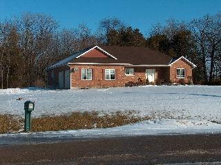 273�MCCLENNAN�DR��, Ennismore, Ontario (ID 151601000211136)