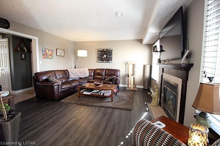 2 MULBERRY Lane, St. Thomas, Ontario (ID 250605)