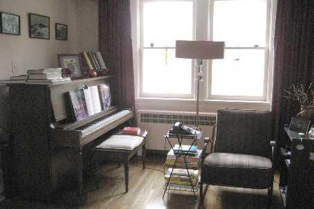 14 Avonhurst Rd, Toronto, Ontario (ID W1820010)