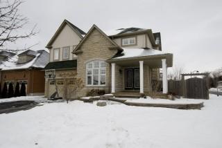 2 CLARIDGE CRES, Whitby, Ontario (ID 180901003700613)