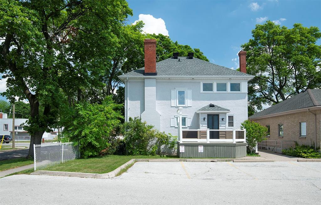 225 MITTON Street North, Sarnia, Ontario (ID 20001657)