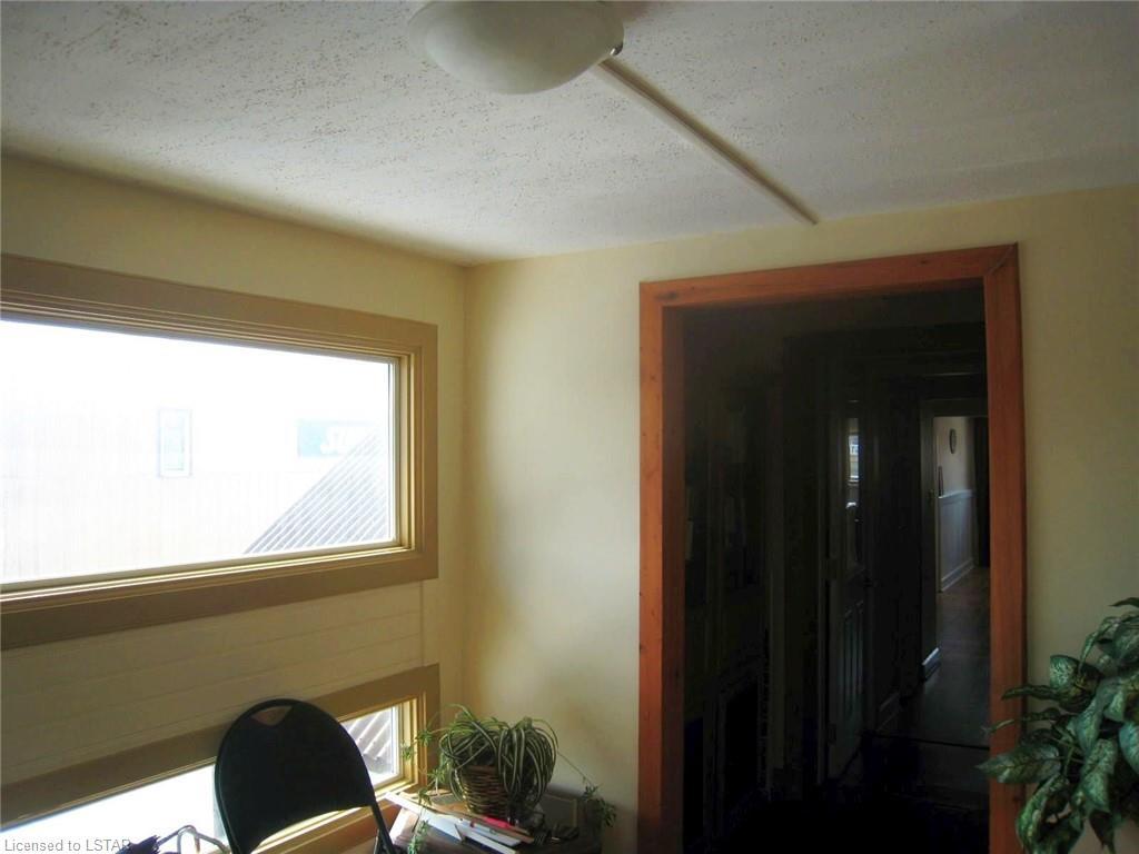 36 ONTARIO Street N, Grand Bend, Ontario (ID 219750)
