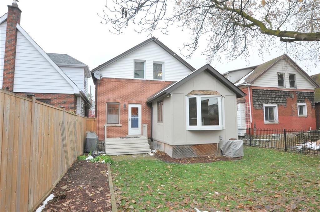 11 Roanoke Road, Hamilton, Ontario (ID H4068169)