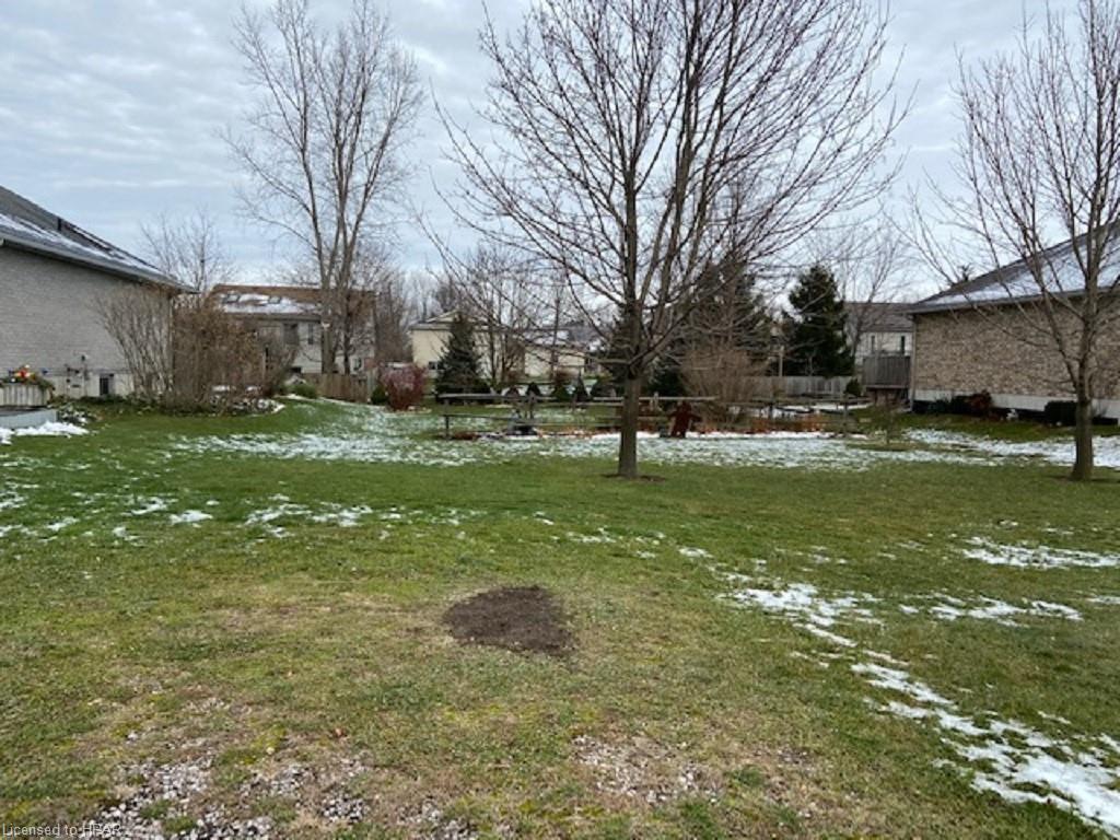 9 CHESTNUT Road, Seaforth, Ontario (ID 40047103)