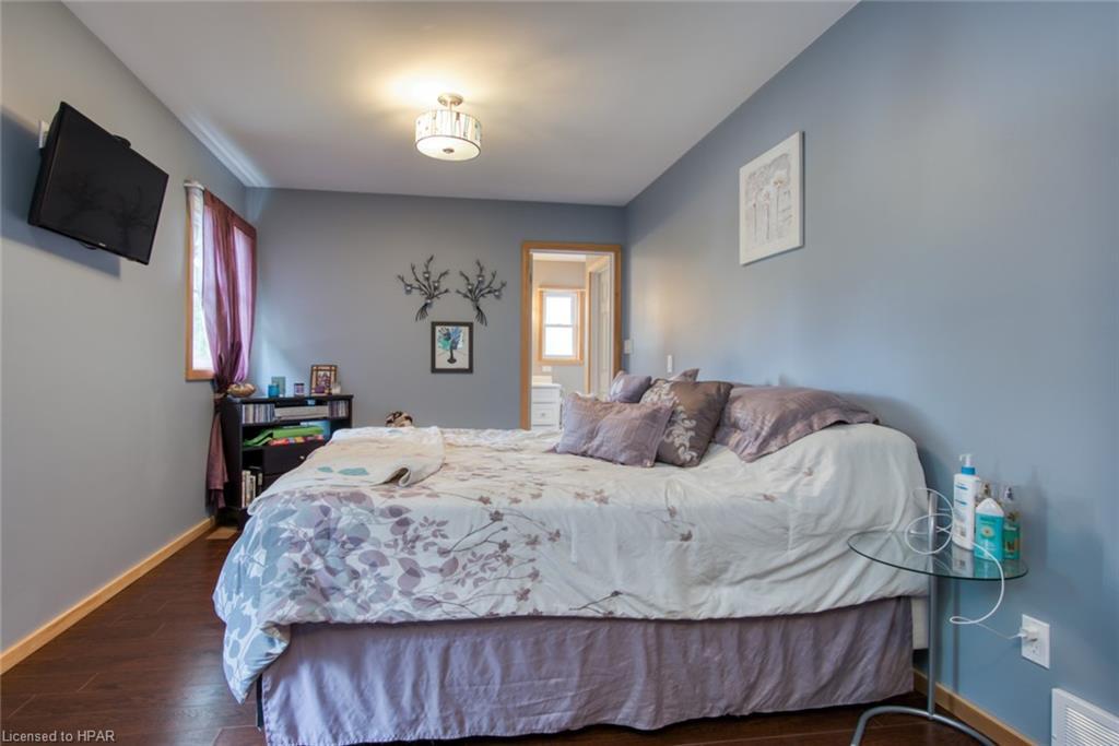 14 GORDON Street, Clinton, Ontario (ID 40152508)