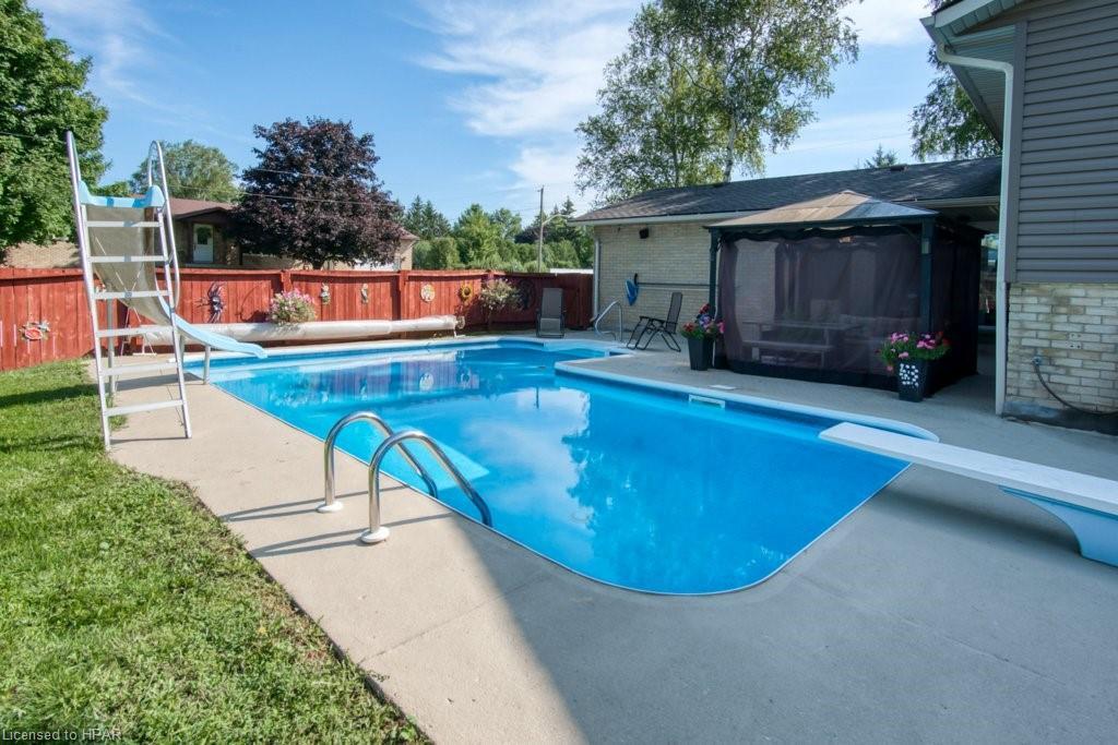 41 ELLEN Street, Brucefield, Ontario (ID 40155991)