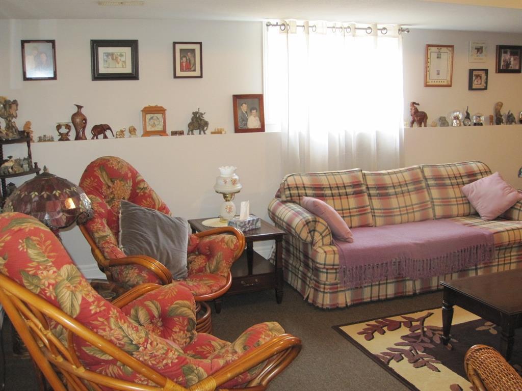 560 FLORENCE Road, Dawn-euphemia, Ontario (ID 21009410)