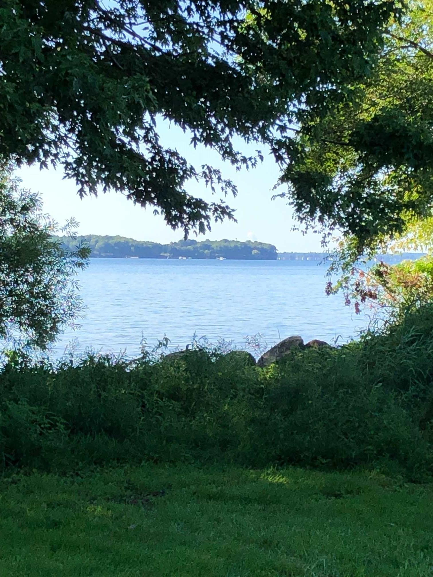 143 Pleasure Point Lane, Wolfe Island, Ontario (ID K19005641)