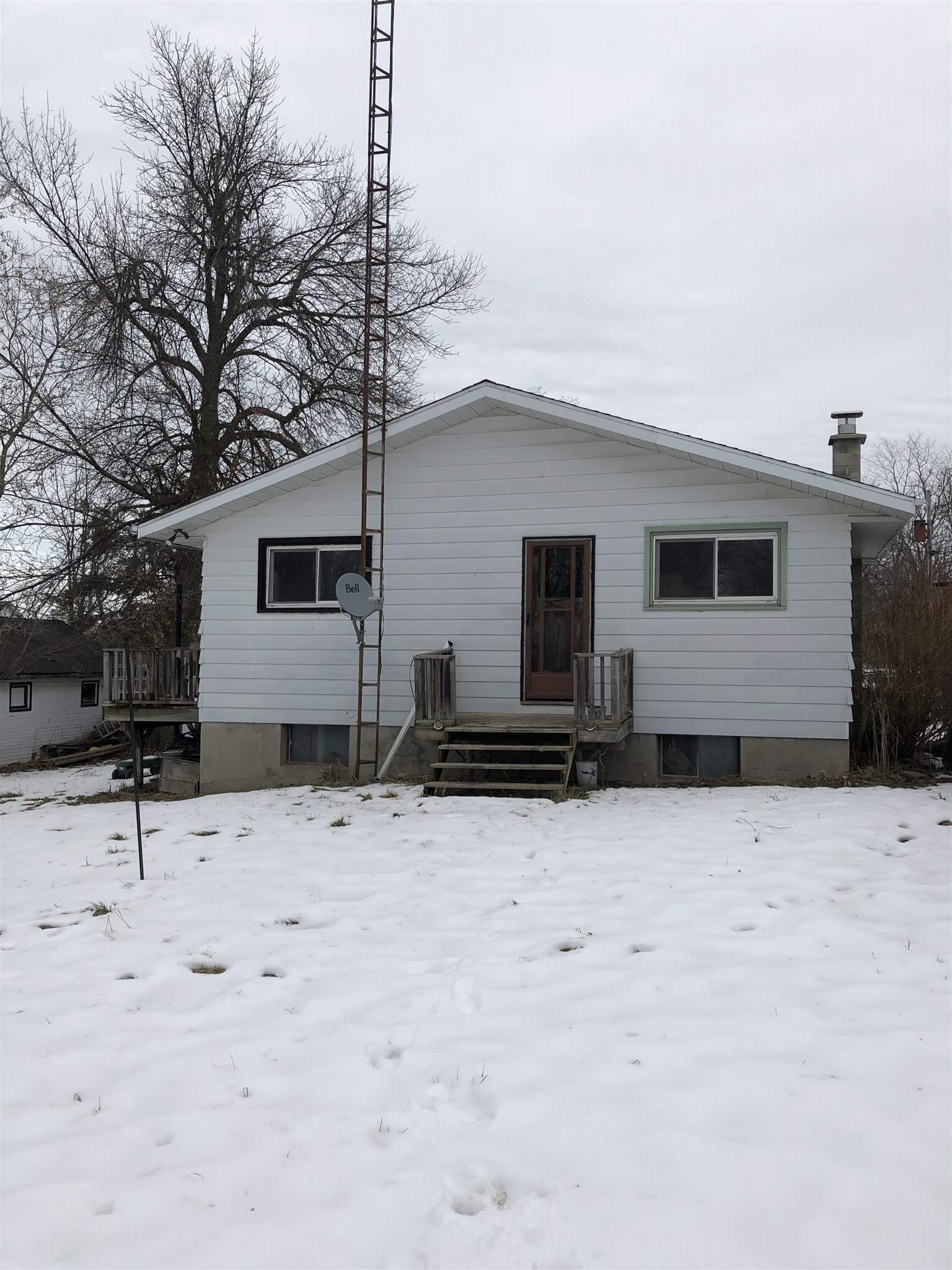 45 Division Street, Wolfe Island, Ontario (ID K20000675)