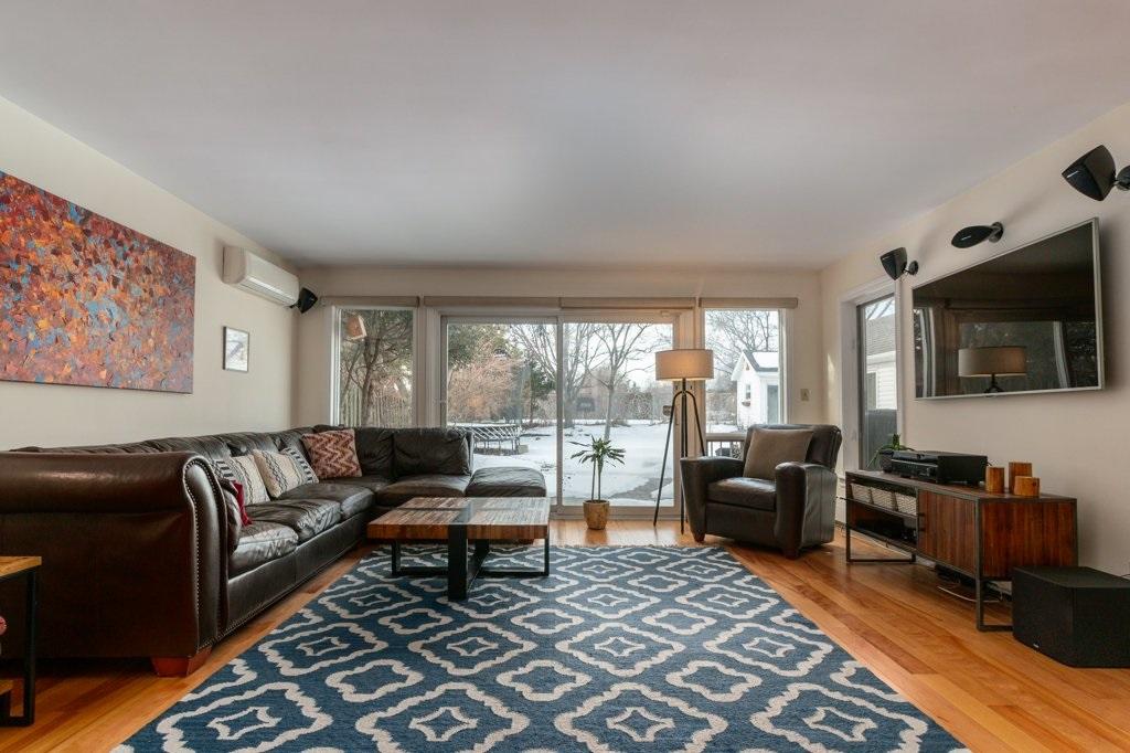 82 Centre Street, Kingston, Ontario (ID K20000699)