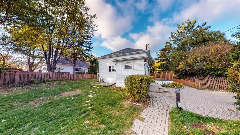 329 Pine Street, Garson, Ontario (ID 2082047)