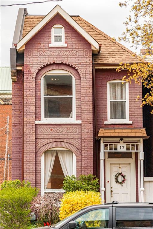 17 ROBERT Street, Hamilton, Ontario (ID H4105384)