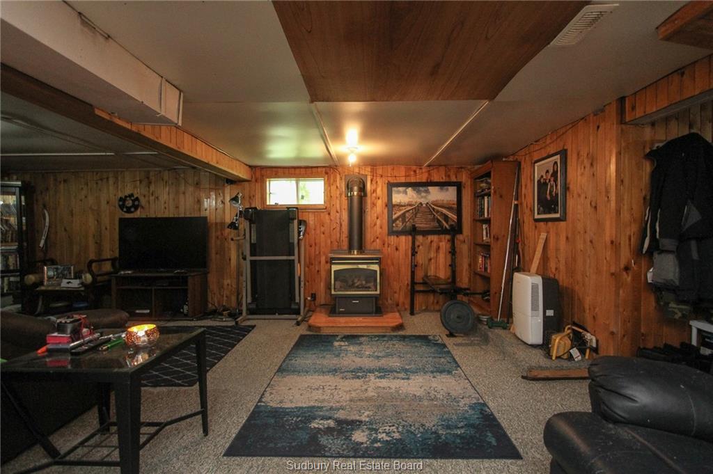 8 Copper Street, Levack, Ontario (ID 2087096)