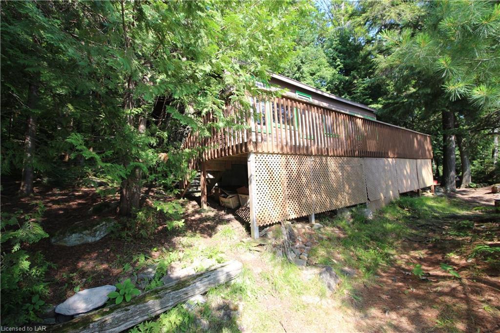 1115 ROCK Lake, Whitney, Ontario (ID 211873)