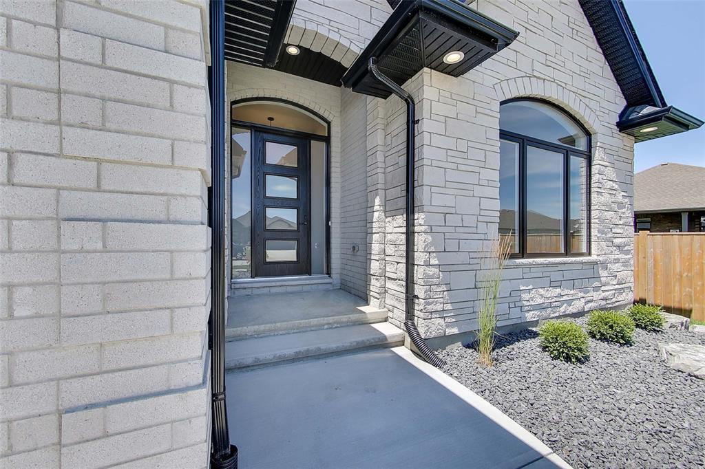 645 GIANLUCA Avenue, Sarnia, Ontario (ID 20007052)