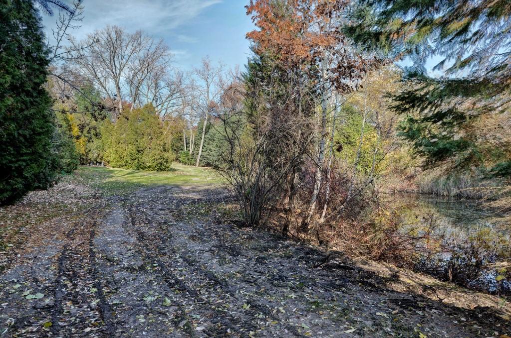 1519 LAKESHORE RD, Sarnia, Ontario (ID 201674308)