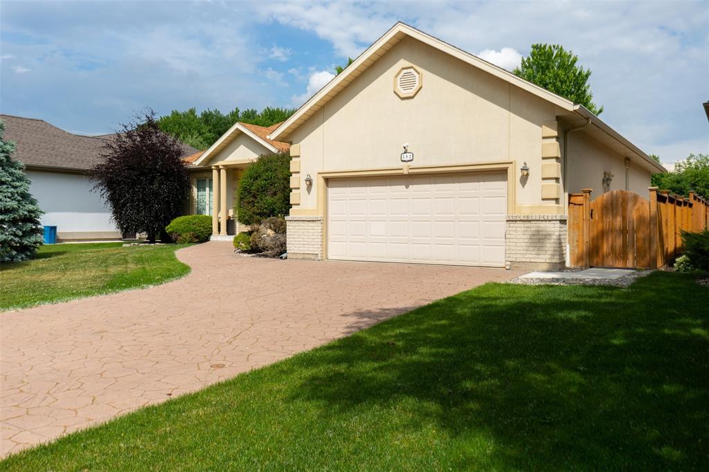 582 RIVERSIDE Drive, St. Clair, Ontario (ID 21009895)