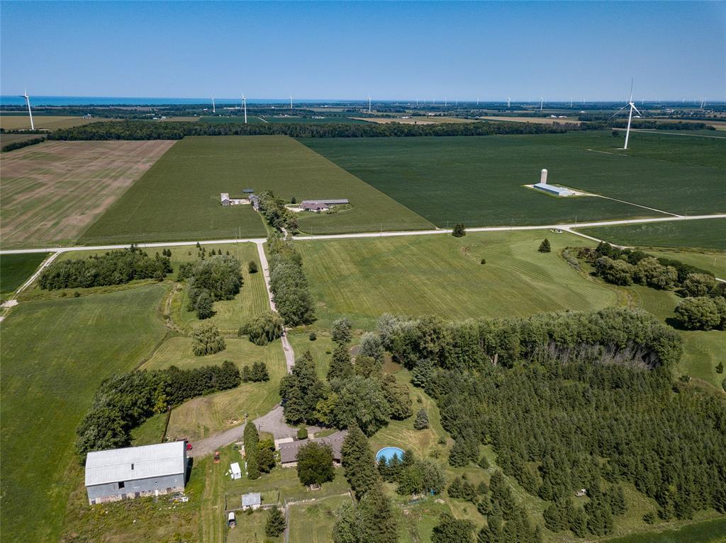 5223 DOUGLAS Line, Plympton-wyoming, Ontario (ID 18006765)