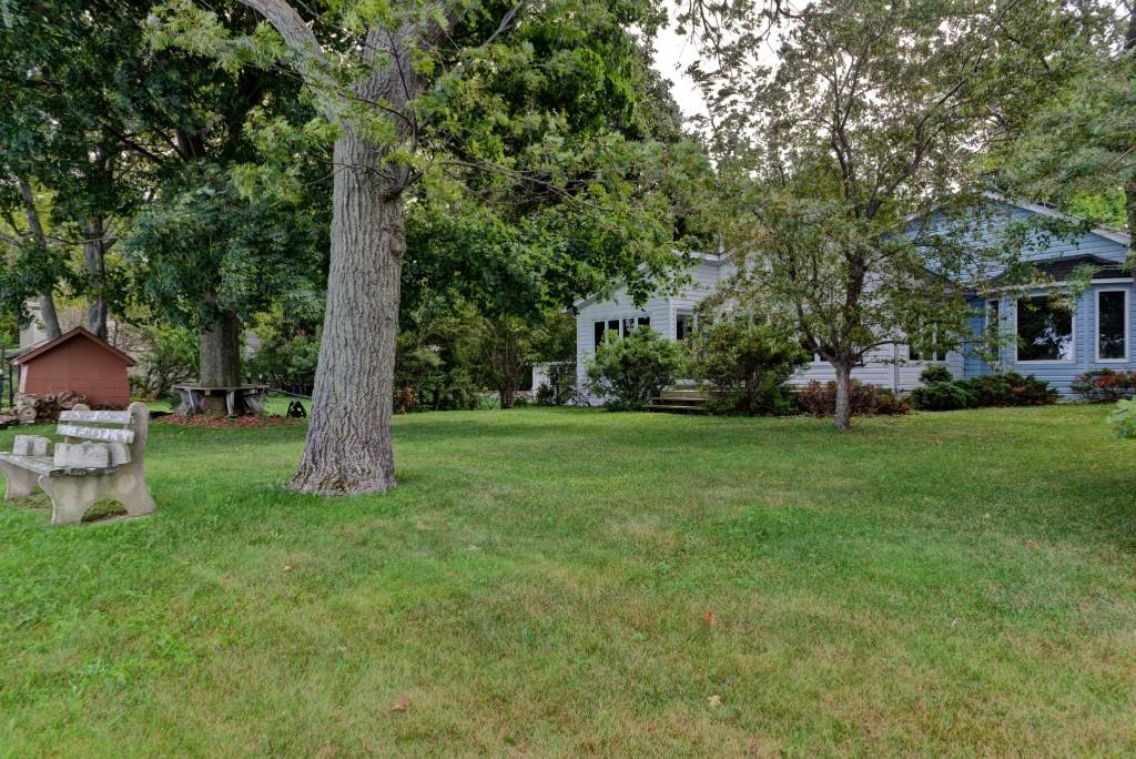 2060 LAKESHORE RD, Sarnia, Ontario (ID 201674235)