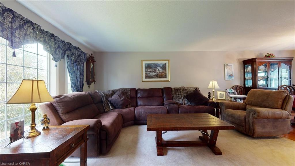 2058 VALLEYVIEW Drive, Verona, Ontario (ID 40171250)