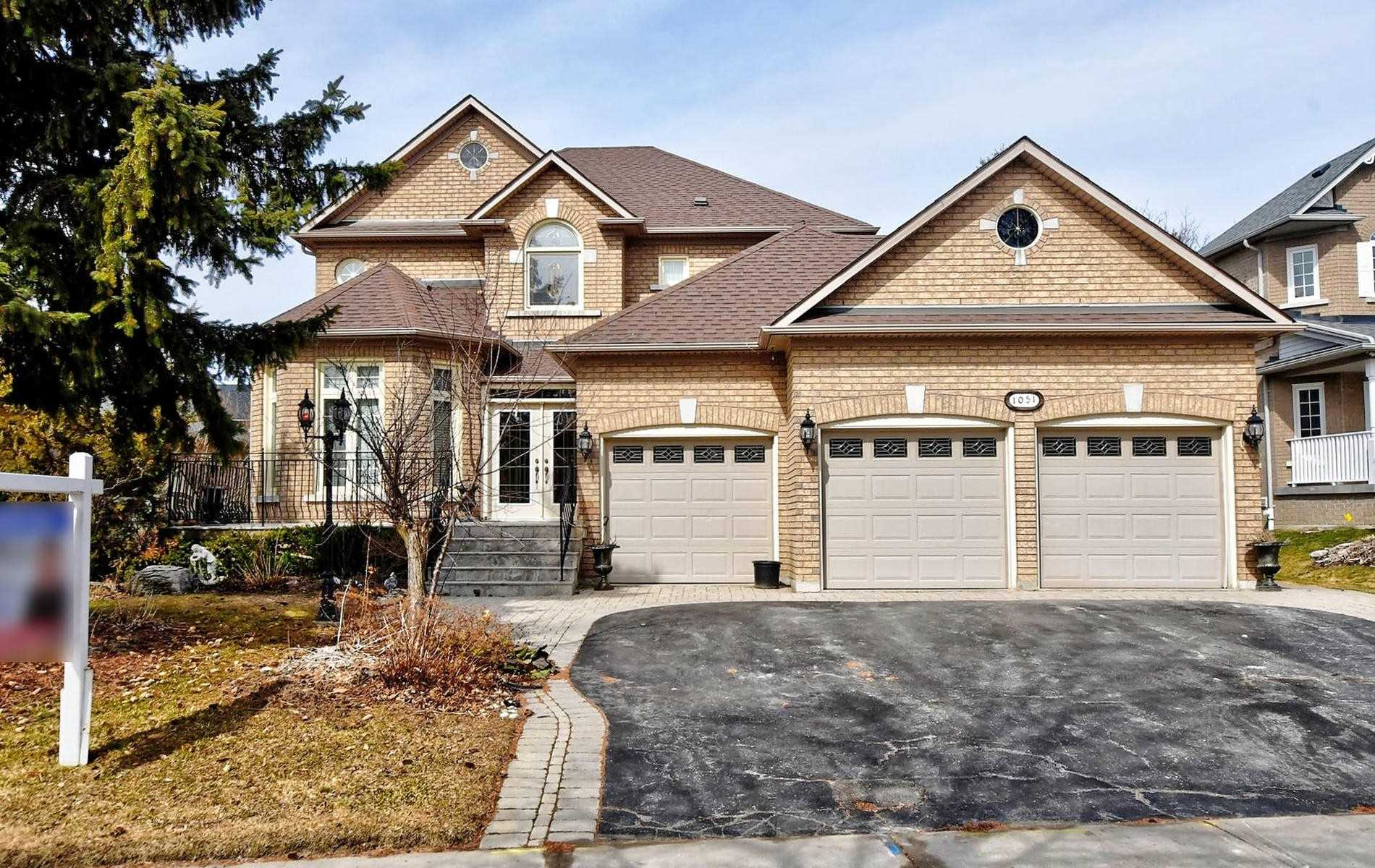 1051 Stonehaven Ave, Newmarket, Ontario (ID N4725619)