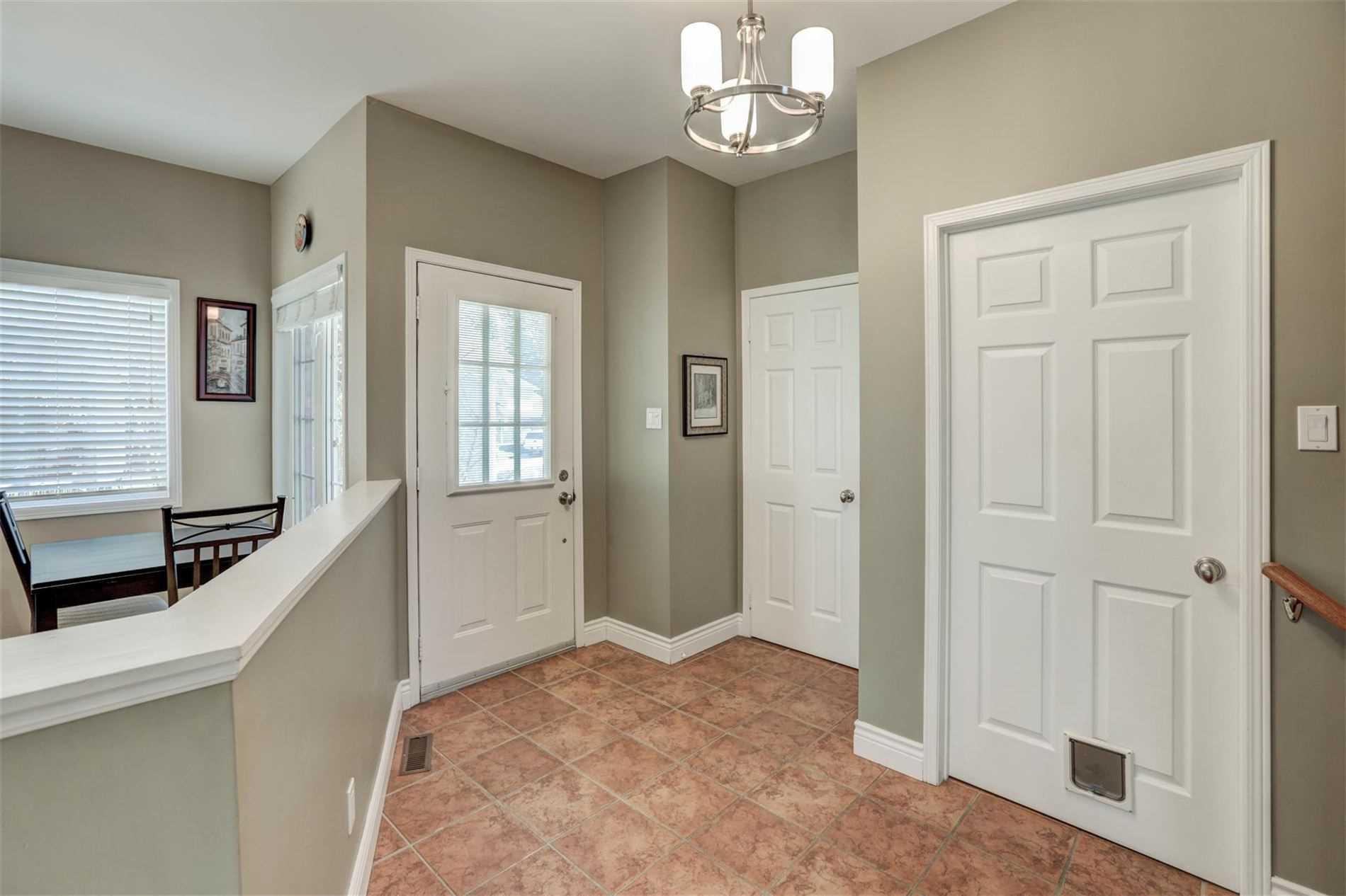 277 Sheridan Crt, Newmarket, Ontario (ID N4748219)