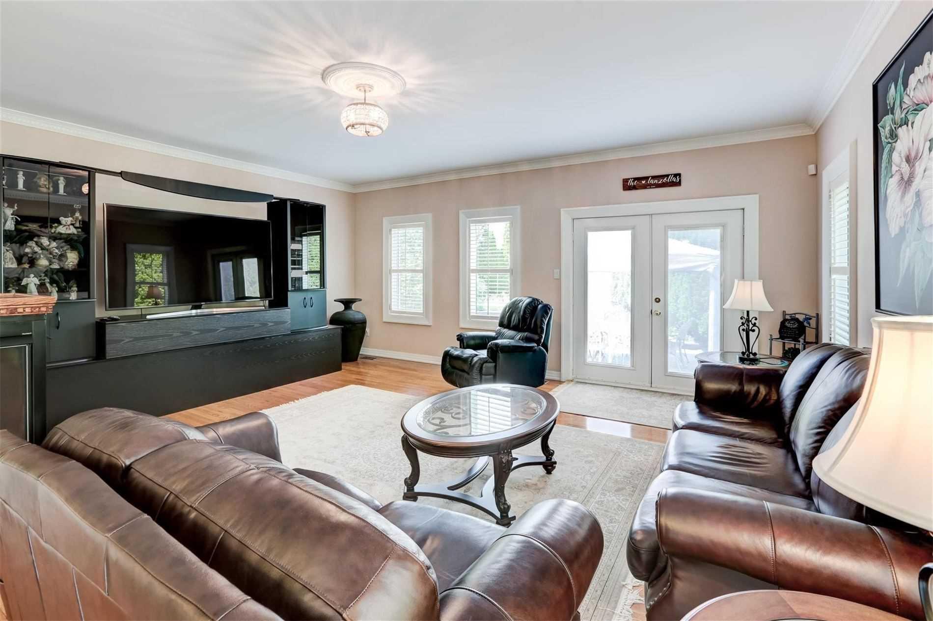 24 Queensborough Crt, Richmond Hill, Ontario (ID N5322094)