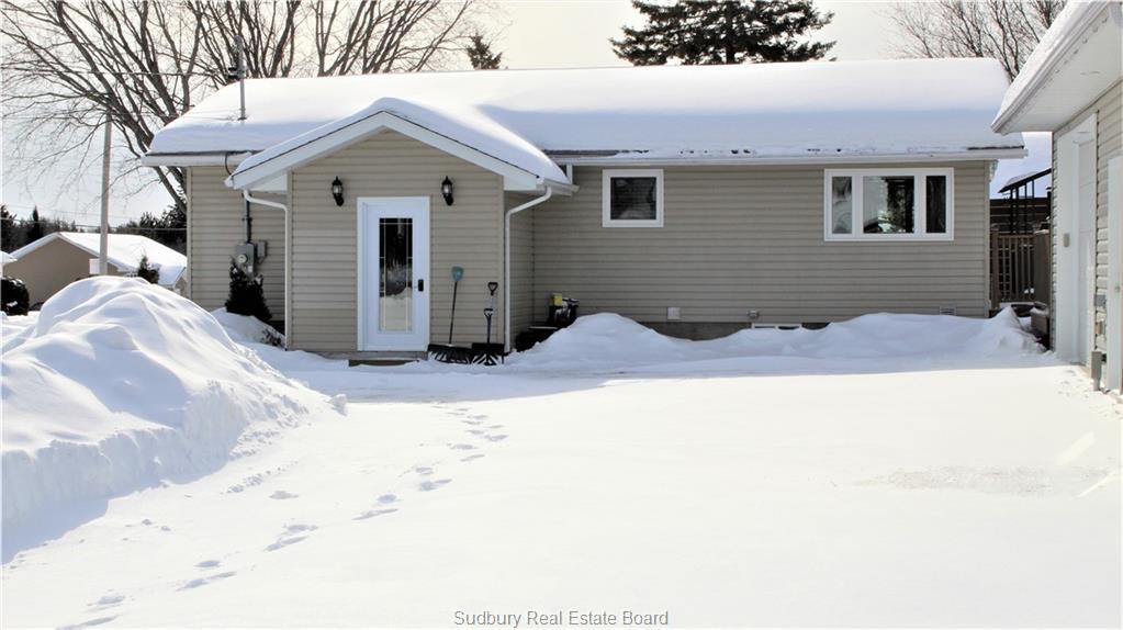 21 Main, Markstay, Ontario (ID 2084280)