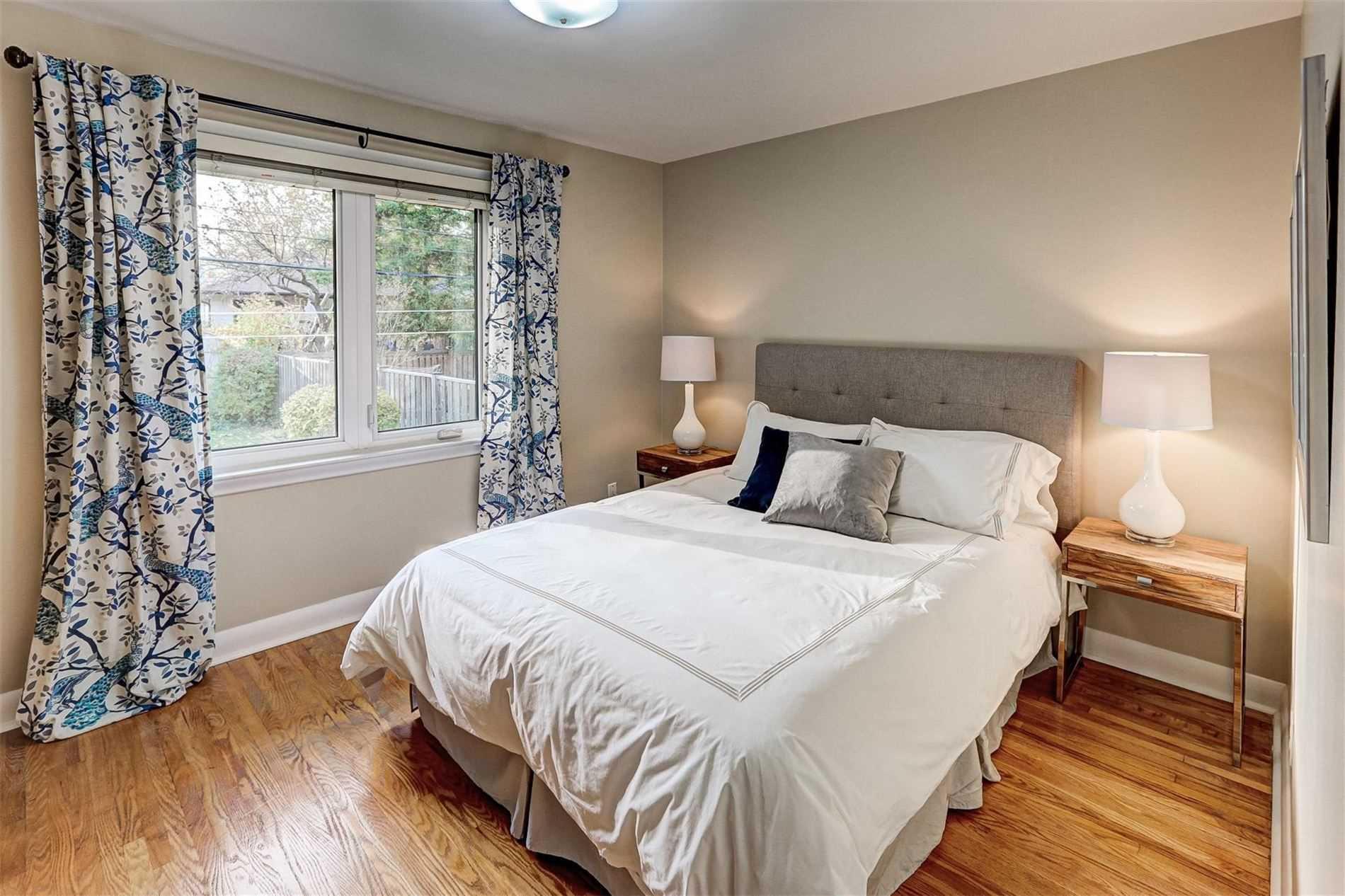 100 Martin Grove Rd, Toronto, Ontario (ID W4626913)