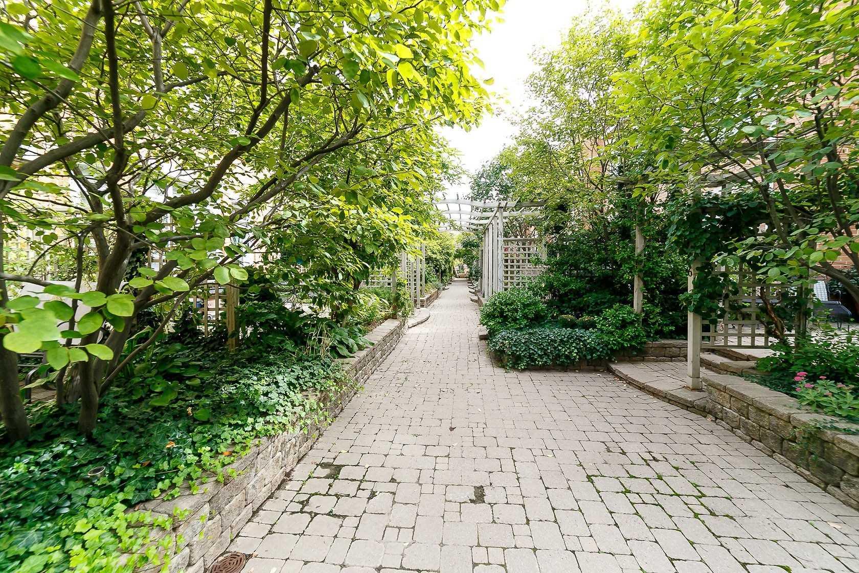 25 Shaftesbury Ave, Toronto, Ontario (ID C4678775)