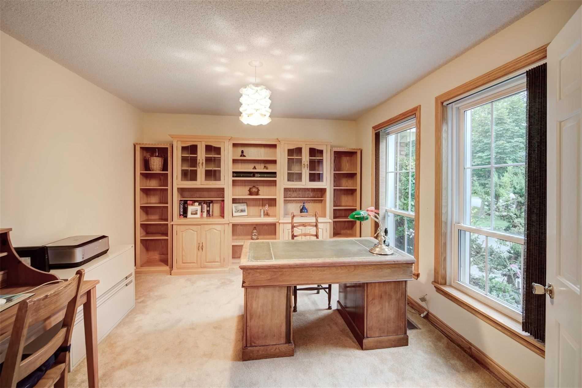 88 Hillside Dr, Brampton, Ontario (ID W4906855)