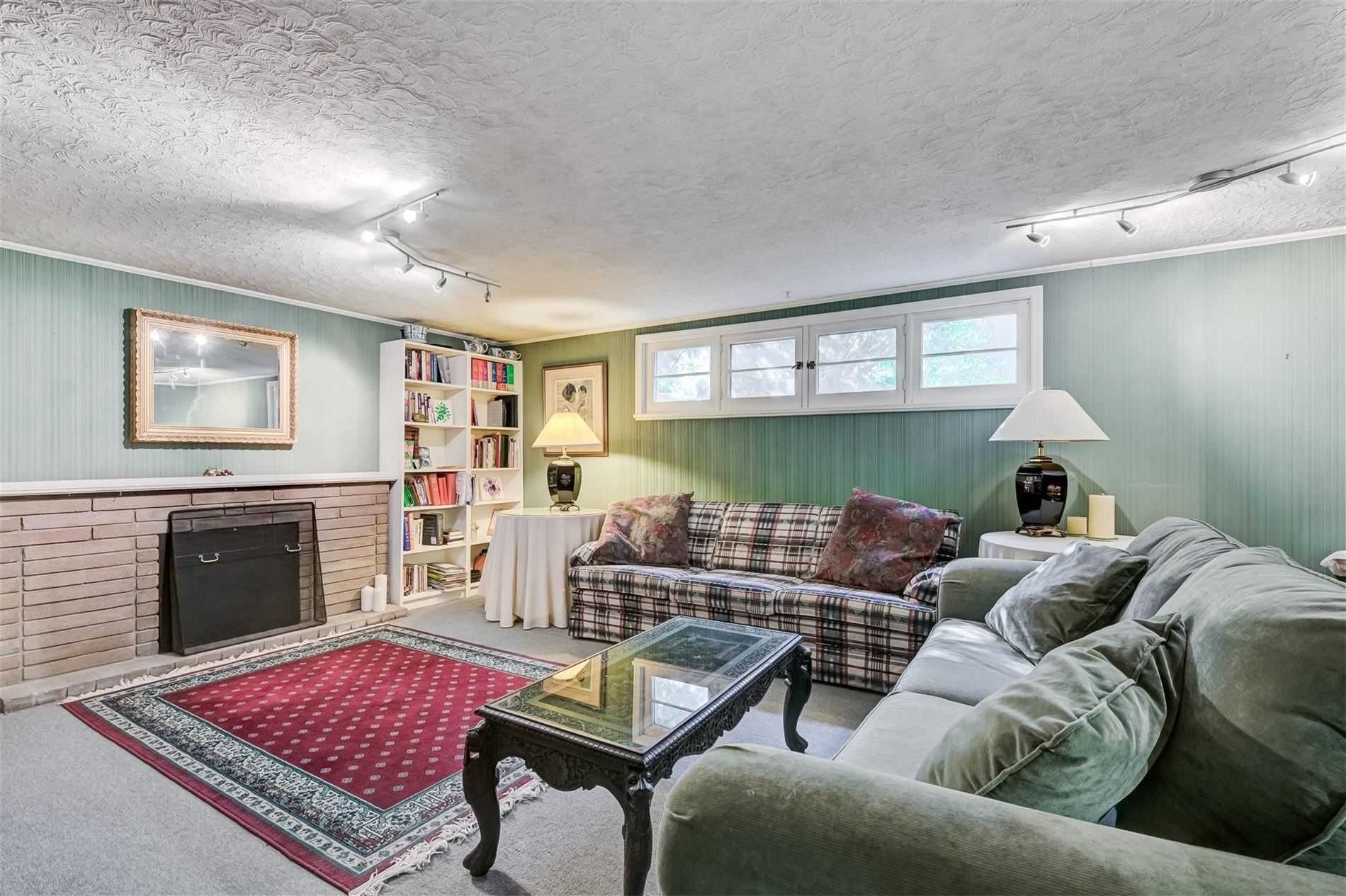 36 Finchley Rd, Toronto, Ontario (ID W5214512)