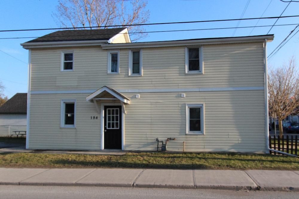 695 Victoria Street, Kingston, Ontario (ID K20002041)