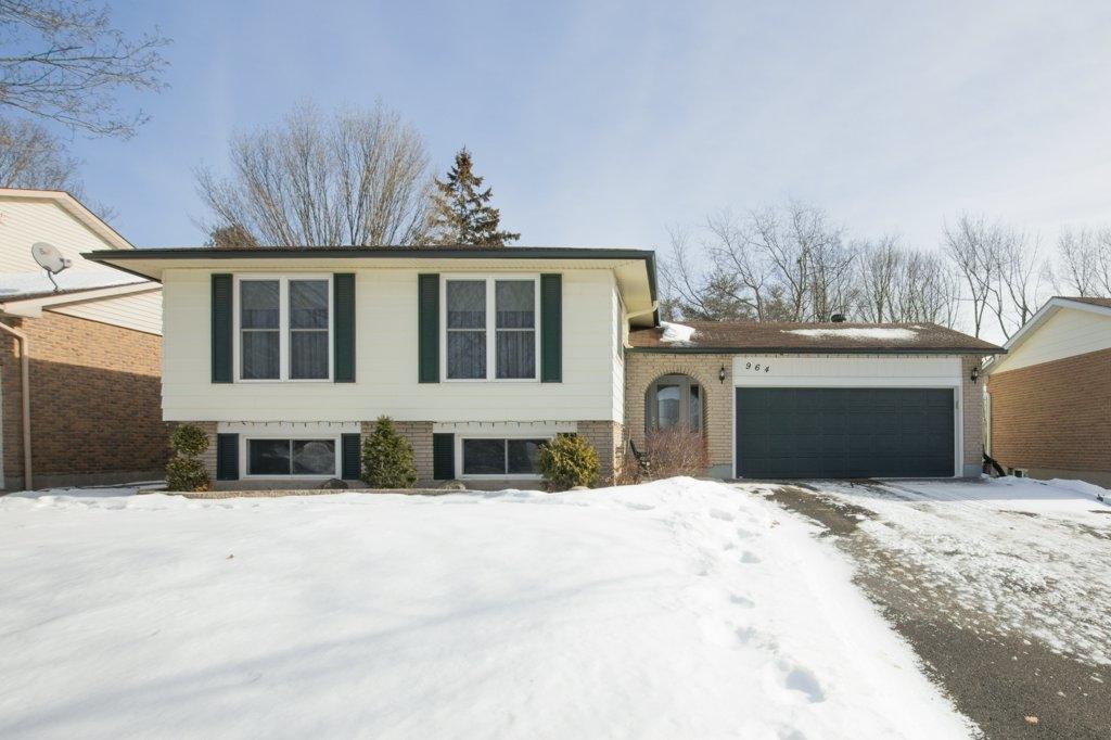 964 MAYFAIR Crescent, Kingston, Ontario (ID K18000148)