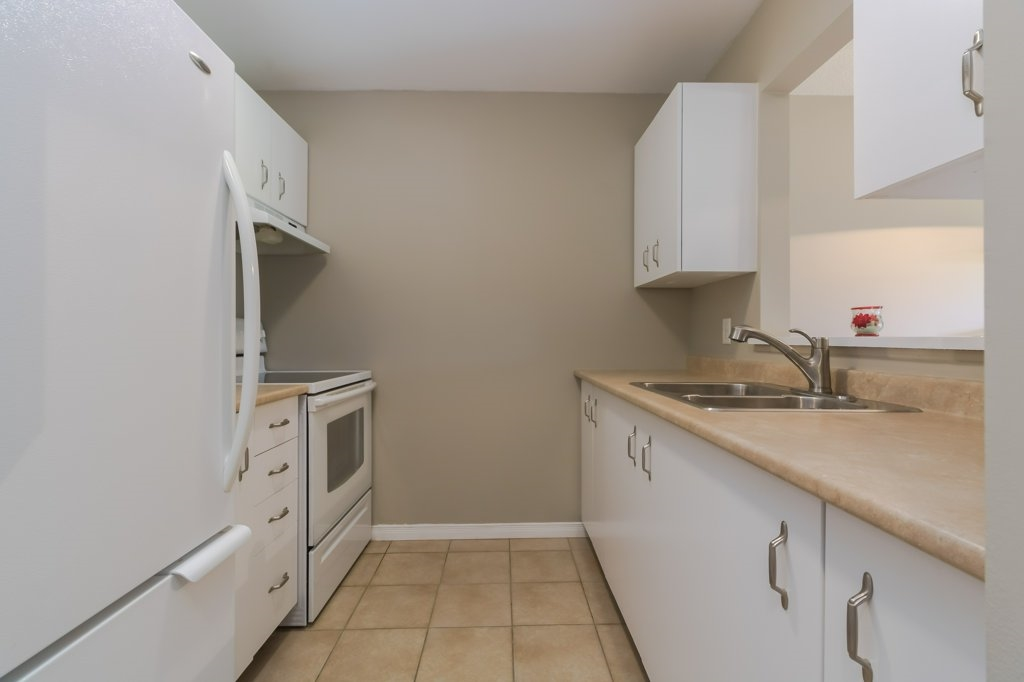 Unit# 218 566 ARMSTRONG Road, Kingston, Ontario (ID K18005991)