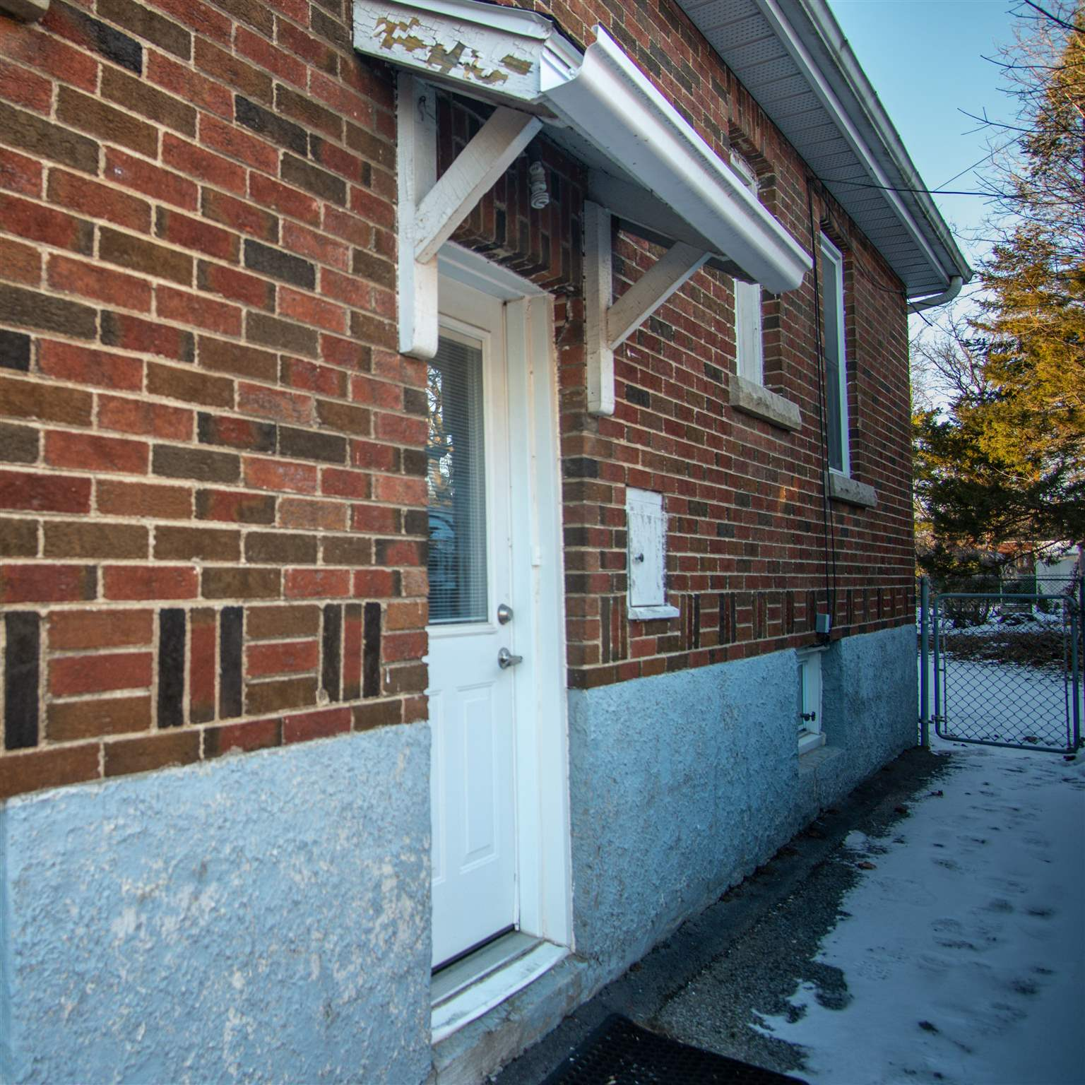 715 Brock Street, Kingston, Ontario (ID K21000266)