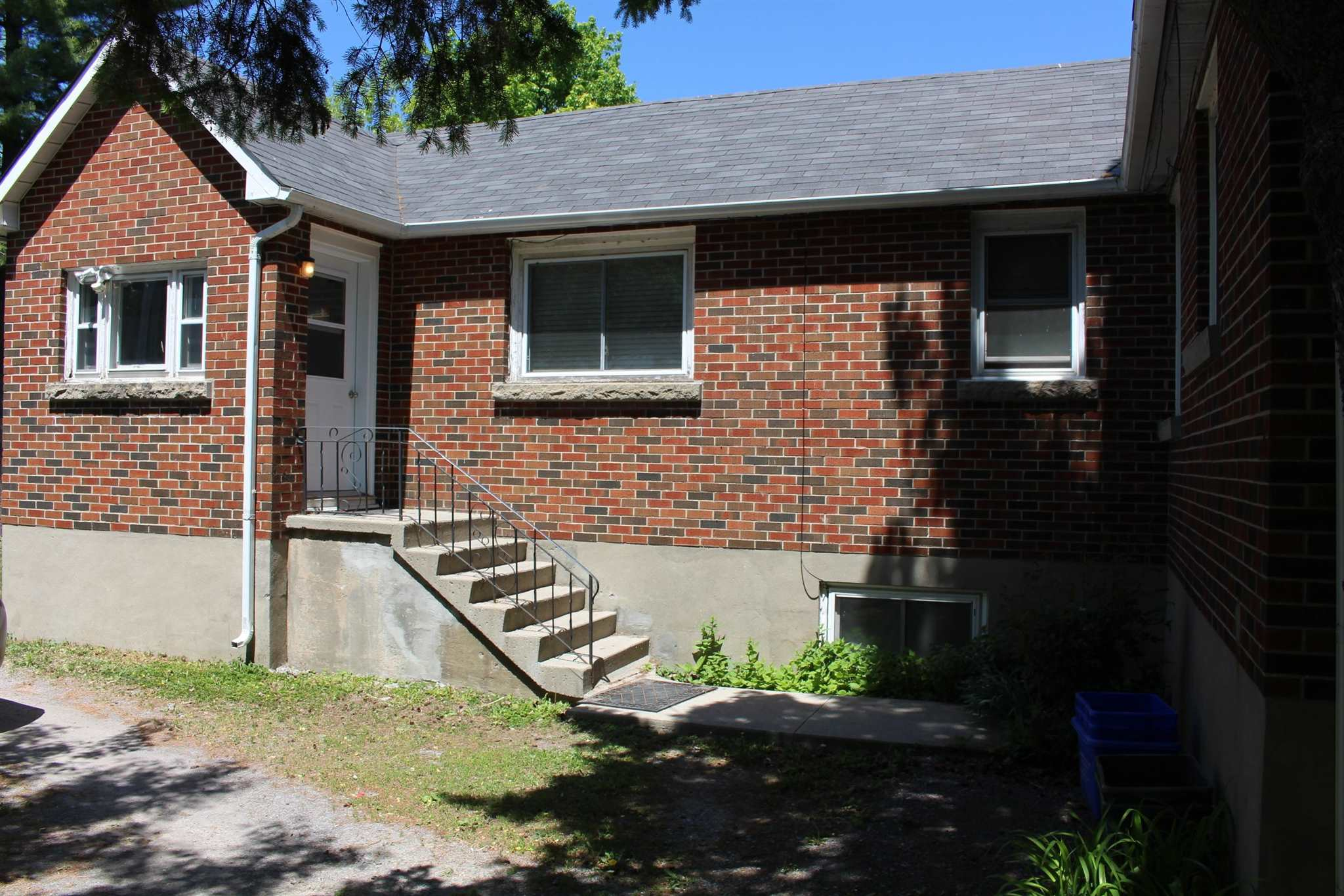 72 Mowat Avenue, Kingston, Ontario (ID K21003328)