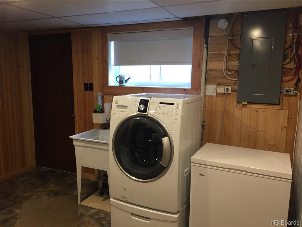 985 Vanier, Bathurst, New Brunswick (ID NB036533)