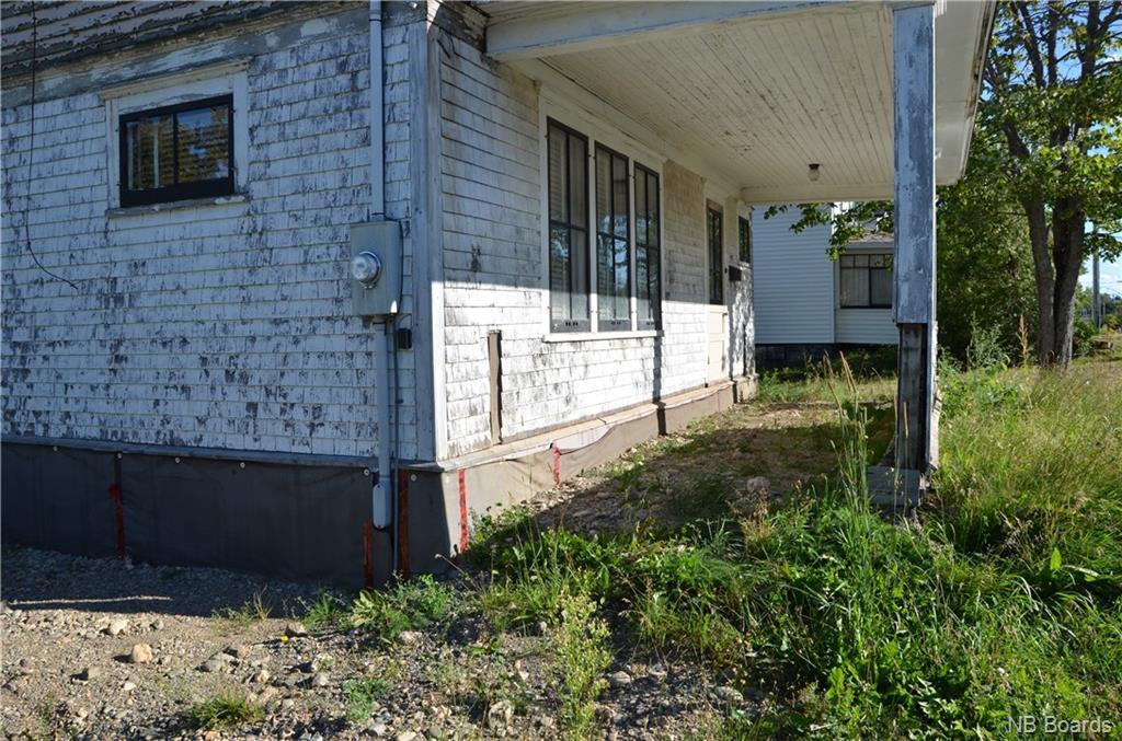 917 Riverside Drive, Bathurst, New Brunswick (ID NB048942)