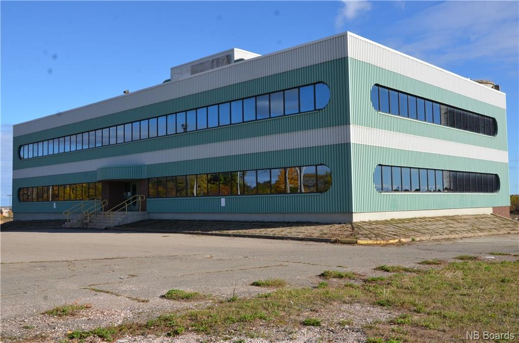 891 Main Street Unit# 891, Bathurst, New Brunswick (ID NB034749)