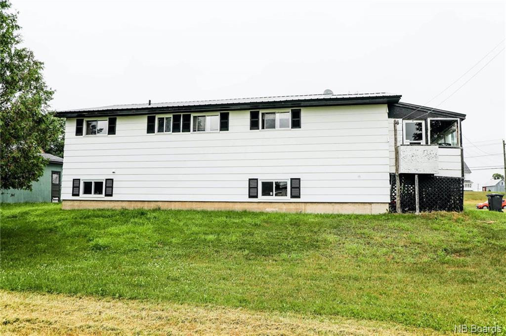 686 MacLaren Avenue, Fredericton, New Brunswick (ID NB046344)