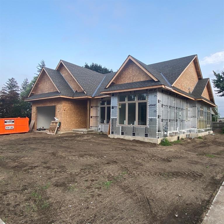 301 ALEXANDRA Avenue, Point Edward, Ontario (ID 21012281)