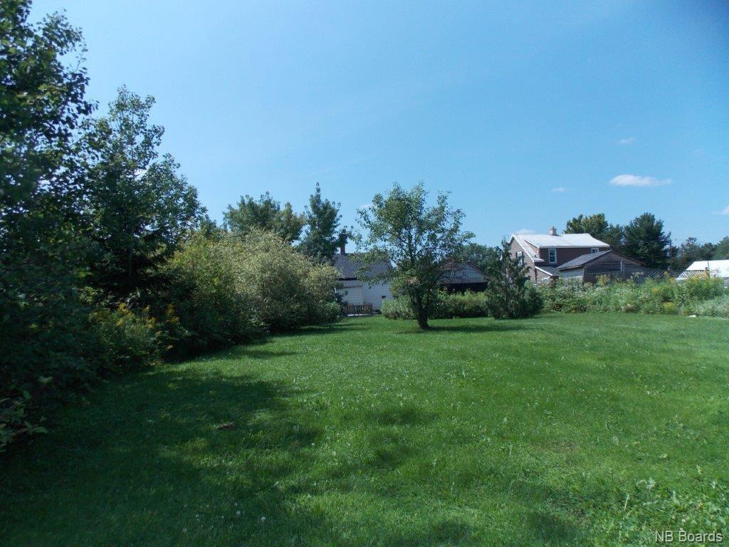 52 Royal Road, Fredericton, New Brunswick (ID NB062250)