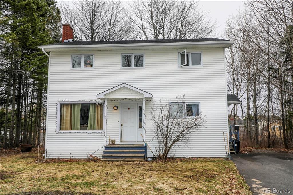 218 Leeds Drive, Fredericton, New Brunswick (ID NB055994)