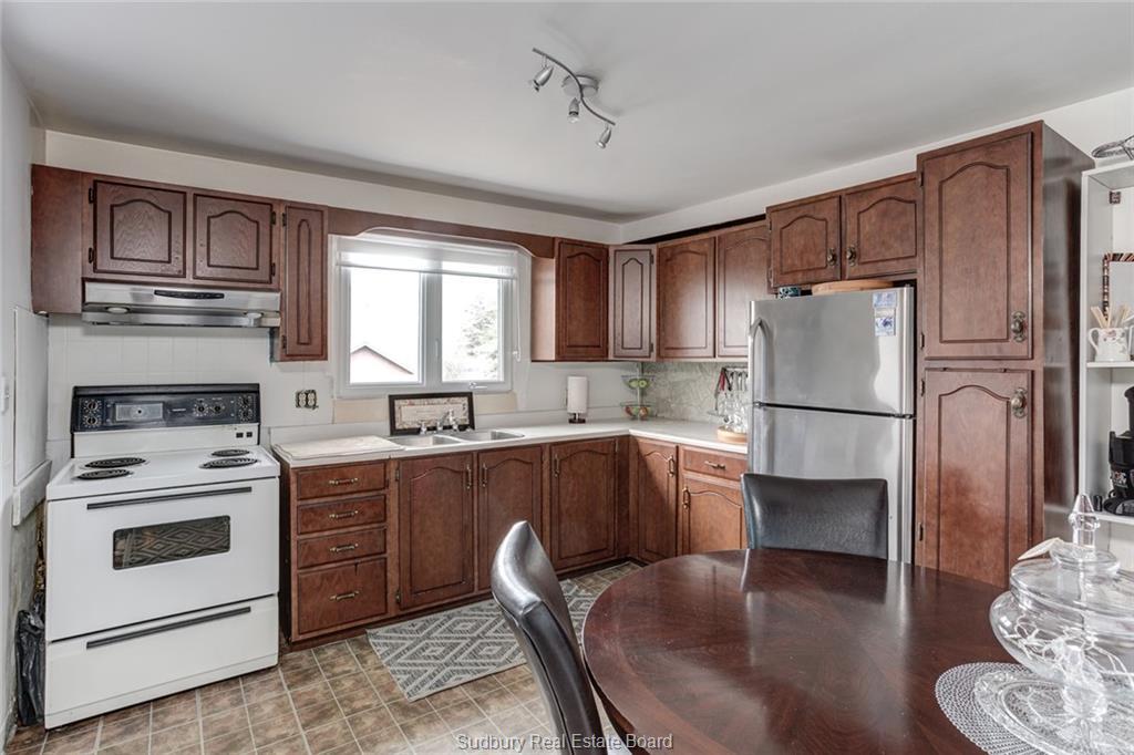 1740 Main, Val Caron, Ontario (ID 2094943)