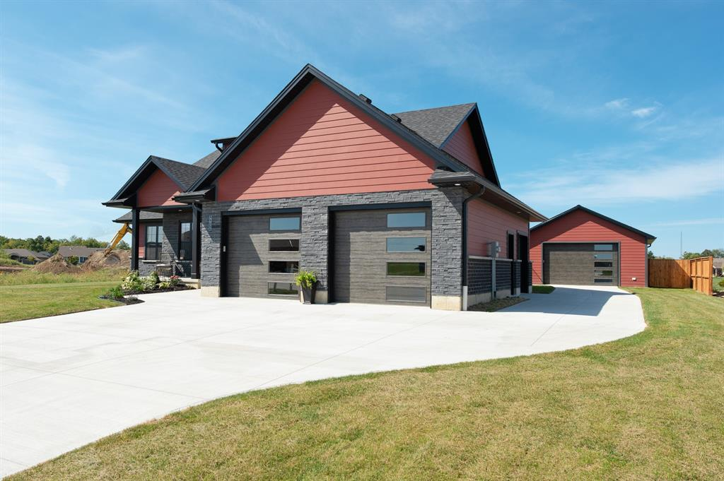 4035 VAN BREE Drive, Plympton-wyoming, Ontario (ID 20001579)