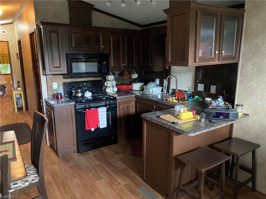 1251 CARIBOU Road Unit# 106, Minden Hills, Ontario (ID 40163355)