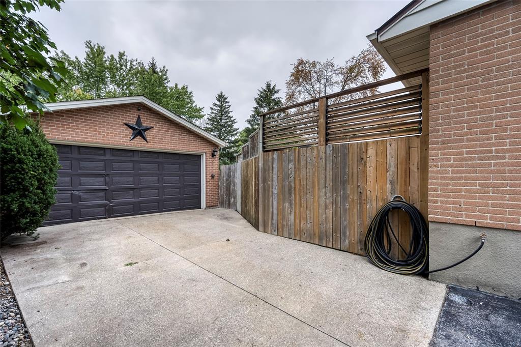 908 KEMSLEY Drive, Sarnia, Ontario (ID 21020204)